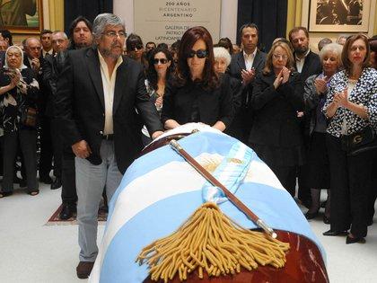 Escena del velorio de Néstor Kirchner en Casa Rosada