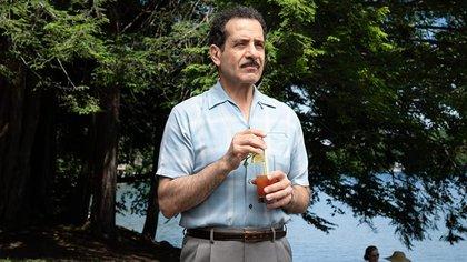 Abe Weissman (Tony Shalhaub), el padre de Midge, matemático y profesor de la Universidad de Columbia