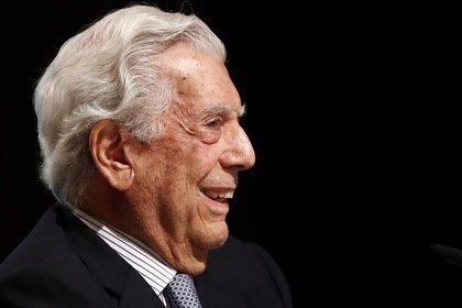 """Mario Vargas Llosa, autor de obras enormes como """"La fiesta del Chivo"""", """"Conversación en La Catedral"""" y """"La guerra del fin del mundo"""", cumple 85 años. (EFE/Javier López)"""