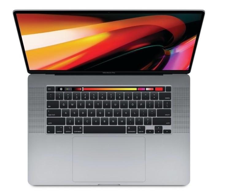 En este nuevo equipo se incorporó una batería de 100Wh, que es la de mayor tamaño de las MacBook hasta ahora y que permite una autonomía de hasta 11 horas.