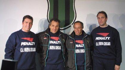 Márcico tuvo un breve paso como entrenador de Nueva Chicago junto a Giunta (Foto Baires)