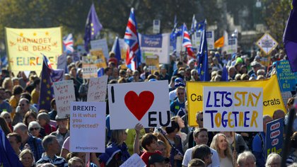 Manifestantes en contra del Brexit (Reuters)