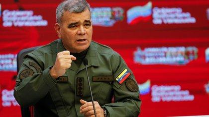 Vladimir Padrino López, jefe del Ejército de la dictadura de Nicolás Maduro, apoyó la propuesta de diálogo de Juan Guaidó
