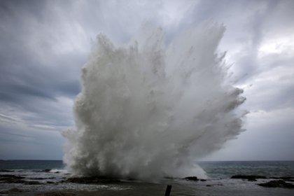 La tormenta llegó al extremo oriental de Cuba el martes por la noche, una región poco poblada donde no se informó de daños de inmediato (Reuters)