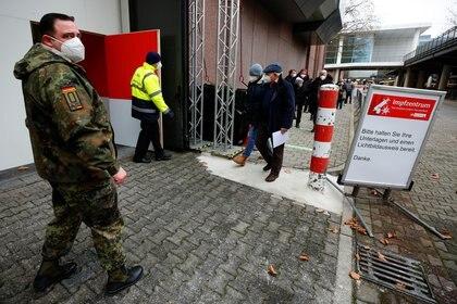 Vacunación en Colonia, Alemania (Reuters)