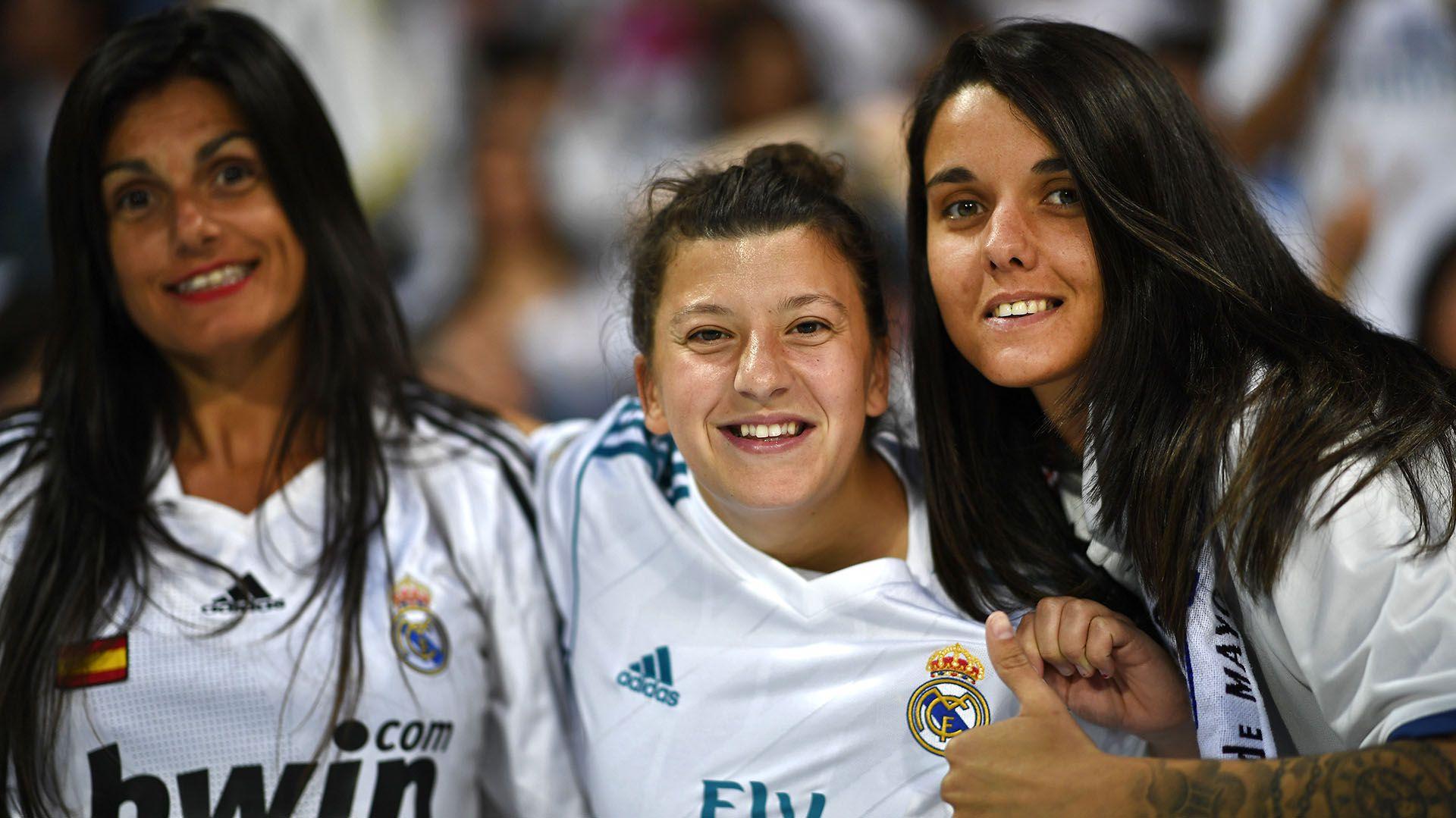 Real Madrid tendrá equipo de fútbol femenino a partir de la próxima temporada (Grosby)