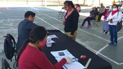 Las aplicaciones para dispositivos móviles que se encuentran disponibles en Play Store o IOS no funcionan para el registro de becarios (Foto: Coordinación Nacional de Becas para el Bienestar Benito Juárez)