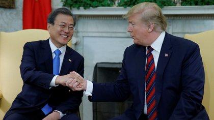 Donald Trump recibió a Moon Jae-in en la Casa Blanca (Reuters)