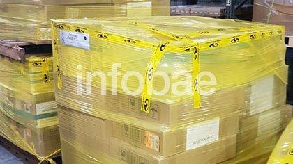 Los respiradores están en el hangar de importaciones de la Terminal de Cargas (TCA), en Ezeiza.