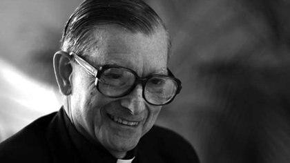El jesuita Manuel Carreira Vénez consagró su vida a la astrofísica, como investigador y docente