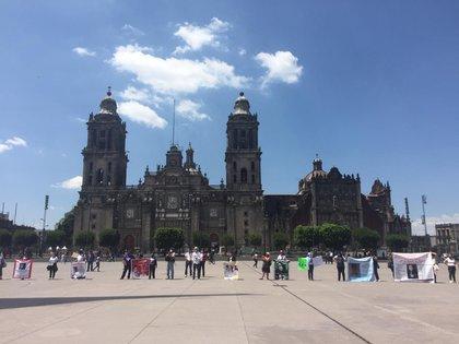 Madres de desaparecidos en México, marcharon en el Zócalo de la CDMX; lo harán el primer miércoles de cada mes (Foto: Alicia Mireles/INFOBAE)