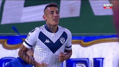 Pared, doble enganche y gran asistencia: la jugada de Ricky Centurión en la primera pelota que tocó en la victoria de Vélez por la Copa Libertadores
