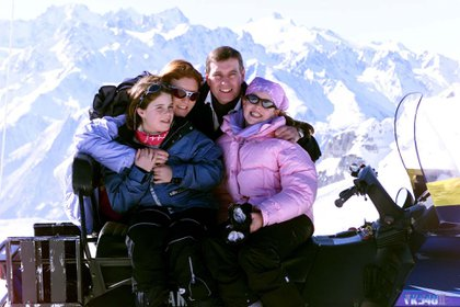 La familia durante un viaje a los Alpes Suizos (Foto: Alan Davidson/Shutterstock)