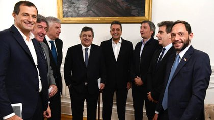 Los jefes de bloque junto a Sergio Massa (Prensa Massa)