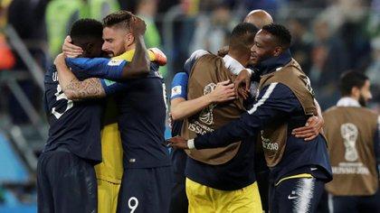 Soccer Football – World Cup – Semi Final – France v Belgium – Saint Petersburg Stadium, Saint Petersburg, Russia – July 10, 2018  France players celebrate after the match   REUTERS/Henry Romero
