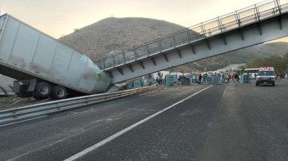 Los daños materiales podrían superar los 15 millones de pesos (Foto: Twitter/OCuriel)