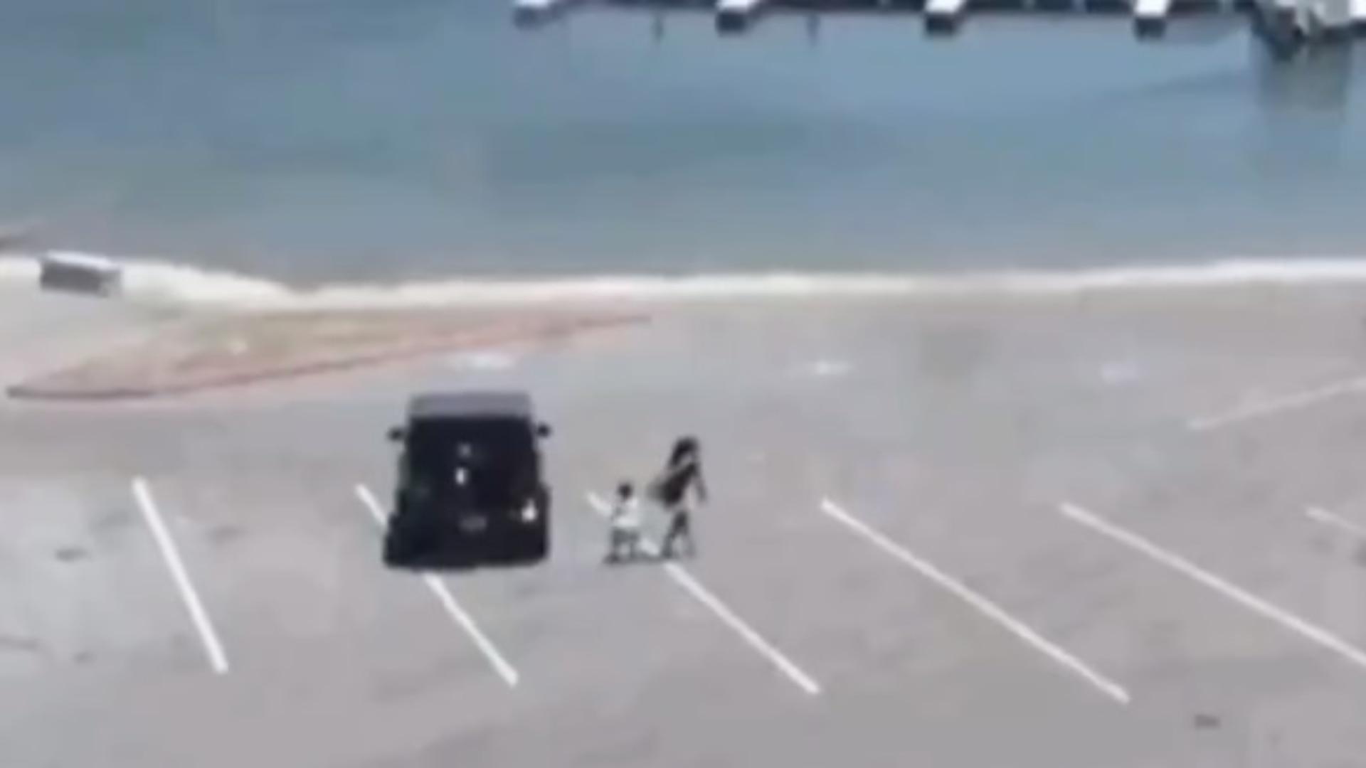La policía difundió un video que muestra a Naya Rivera junto a su hijo minutos antes de su desaparición  - Infobae
