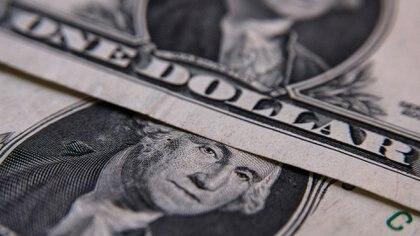 El precio de la divisa de EEUU cedió 7% en el último trimestre.