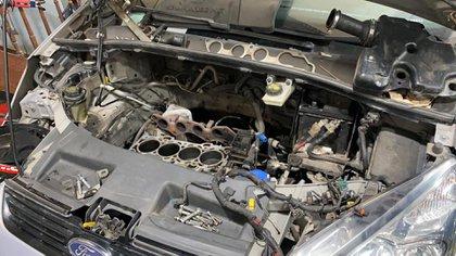 Los talleres mecánicos afirman que hay faltantes de mercadería en todas las marcas de autos, a lo que hay que sumarle que algunas firmas se fueron del país, por lo cual no siempre se logran conseguir los repuestos