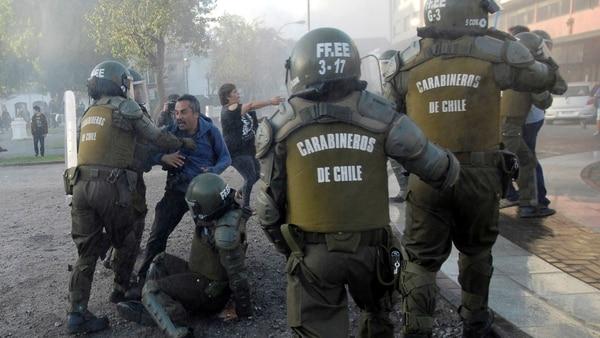 Hubo protestas este lunes en Chile (Reuters)