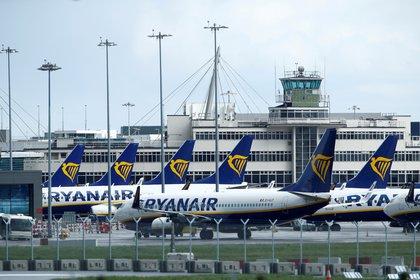 Aviones de Ryanair en el aeropuerto de Dublin (REUTERS/Jason Cairnduff/archivo)