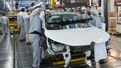 De enero a mayo, la producción de automóviles se redujo un 48,4% en comparación con el mismo período de 2019