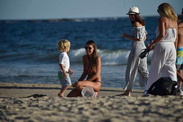 La modelo se refugia en sus tres hijos