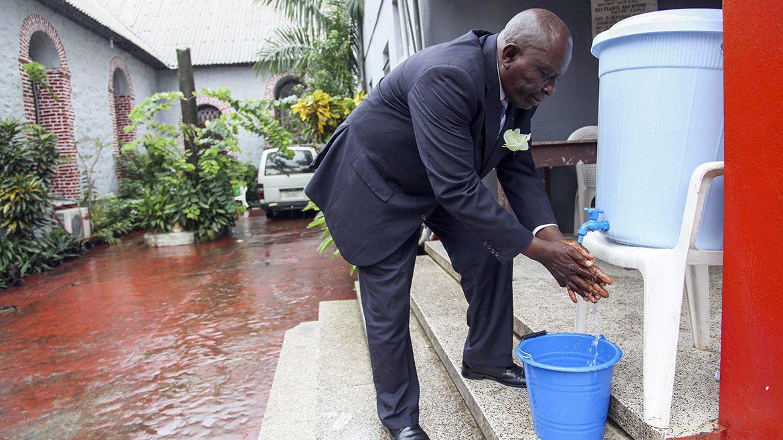 El lavado de las manos es una precaución elemental para la prevención de la propagación de virus en el mundo (EFE)