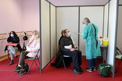 Centro de vacunación en Nogent-sur-Marne,cerca de París, Francia EFE/EPA/BERTRAND GUAY