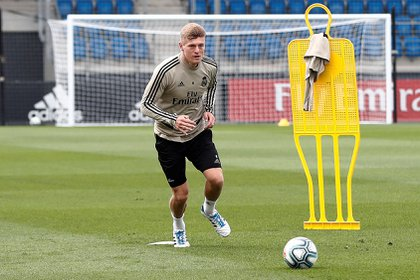 El centrocampista alemán Toni Kroos se prepara para regresar a la actividad con el Real Madrid en medio de la pandemia (EFE)