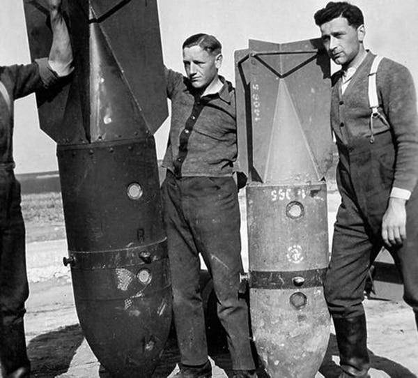 Las bombas de 500 y 250 kilogramos usadas por los Stukas