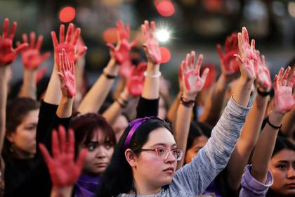 En el primer cuatrimestre del año, el 911 ha recibido 400,000 llamadas de emergencia por violencia de género. (Foto: Imelda Medina/Reuters)