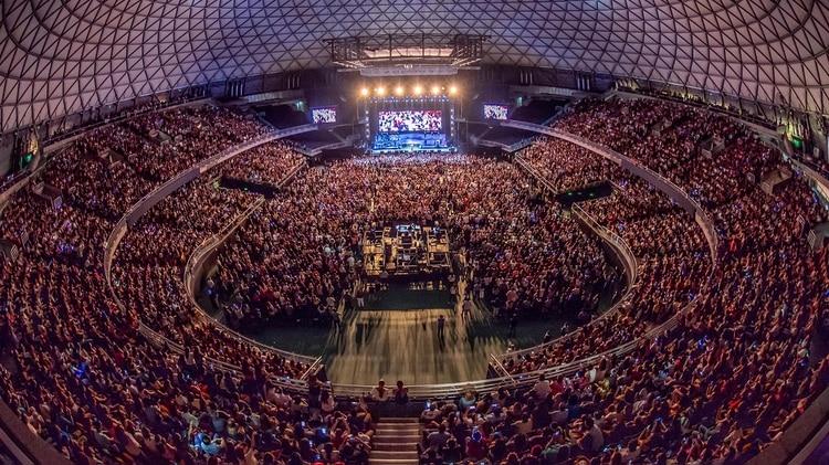 El músico cantó ante 12 mil personas en el estadio Movistar Arena