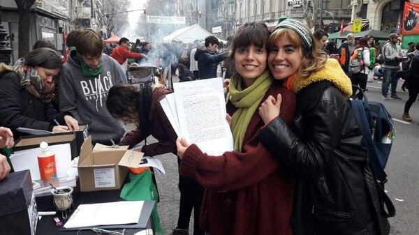 Camila y Juana llegaron desde Quilmes