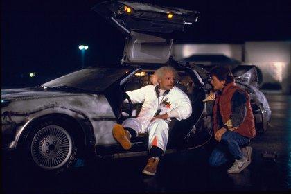 El DeLorean era la máquina del tiempo con la que Christopher Lloyd (Emmett Brown) hacía viajar a Michael Fox (Marty McFly).