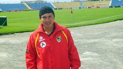 Frans Román Guzmán, el joven futbolista que murió por el coronavirus en Bolivia (@Noel51674465)