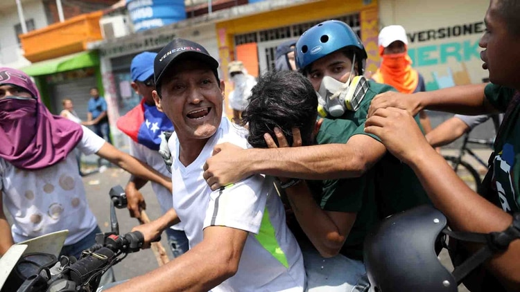 La oposiciónen Venezuela enfrenta represión. (REUTERS/Andres Martinez Casares)
