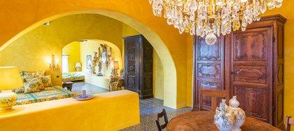 Numerosos rostros conocidos han podido disfrutar de las sonadas fiestas veraniegas que Domenico Dolce y Stefano Gabbana han celebrado en esta casa situada en la isla de Estrómboli