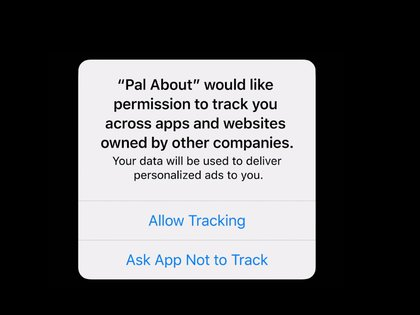 El usuario verá una aviso notificándole si la app rastreará su navegación en otras web o apps con el objetivo de mostrarle anuncios personalizados.
