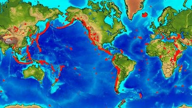 Mapa de los 1500 volcanes activos en el planeta