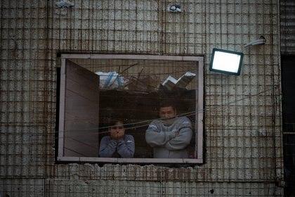 Decenas de familias viven en construcciones que arrancó el Estado y nunca terminó, del lado de Quilmes