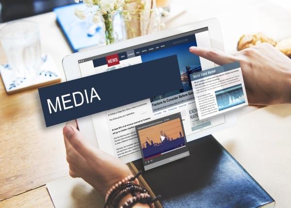 Facebook ha estado dictando las pautas para el consumo de contenidos, y los medios han tenido que seguirlas de cerca