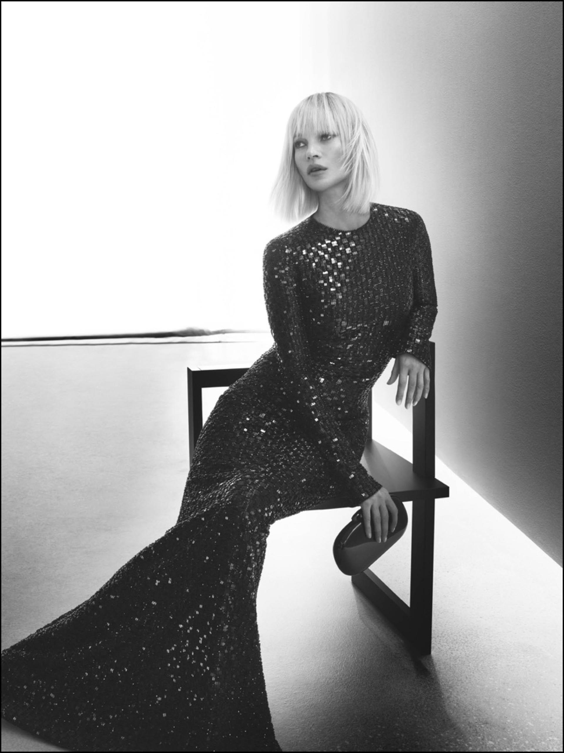 Kate Moss, divina, en la campaña de Giorgio Armani.