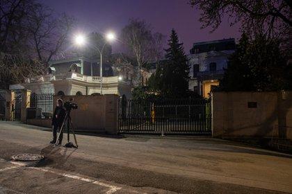 La embajada rusa en Praga, República Checa (EFE/EPA/MARTIN DIVISEK)