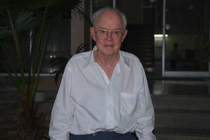 Eugene Parker, astrofísico estadounidense que en 1958 escribió un revolucionario artículo sobre la existencia del viento solar