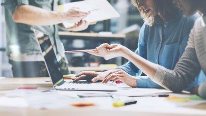 Los jóvenes profesionales apuntan a desarrollarse profesional y personalmente (Shutterstock)