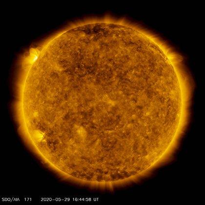 Una de las imágenes más recientes del sol captadas por el SDO. (NASA)