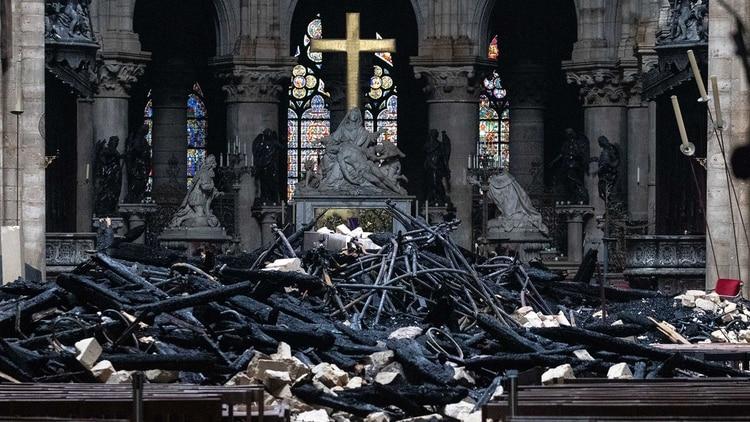 Así quedó la catedral de Notre Dame tras el incendio del 15 de abril (Bloomberg)