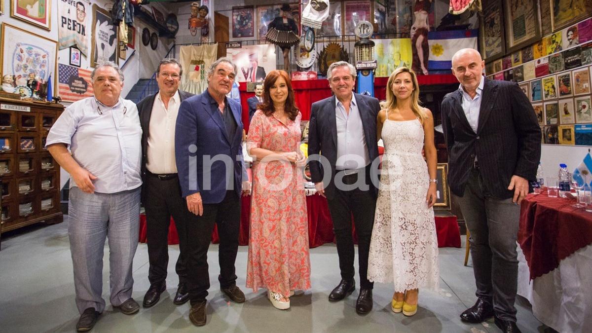 Oliver Stone en Argentina: entrevistó a Cristina y a Alberto Fernández para su documental sobre el lawfare - Infobae