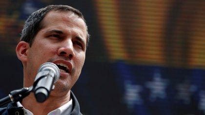 """El presidente interino de Venezuela Juan Guaidó declaró la """"emergencia nacional"""" por el apagón"""